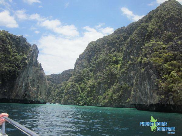 Phi Phi Cruiser Day Tours by Phuket Tours Company in Phuket